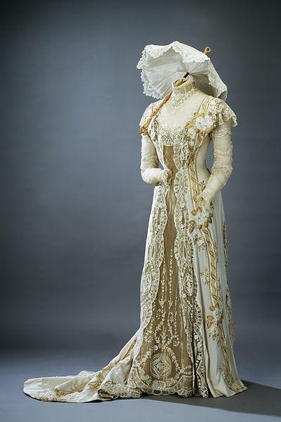 NOWE TRENDY Suknia-lilia szwedzkiej damy - fot Göran Schmidt