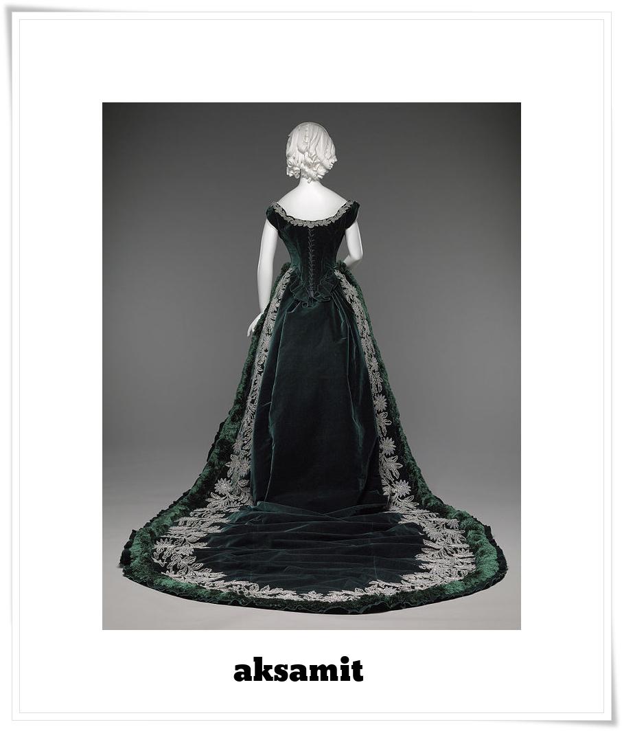 aksamit - paryska suknia uszyta dla damy rosyjskiego dworu ok 1888