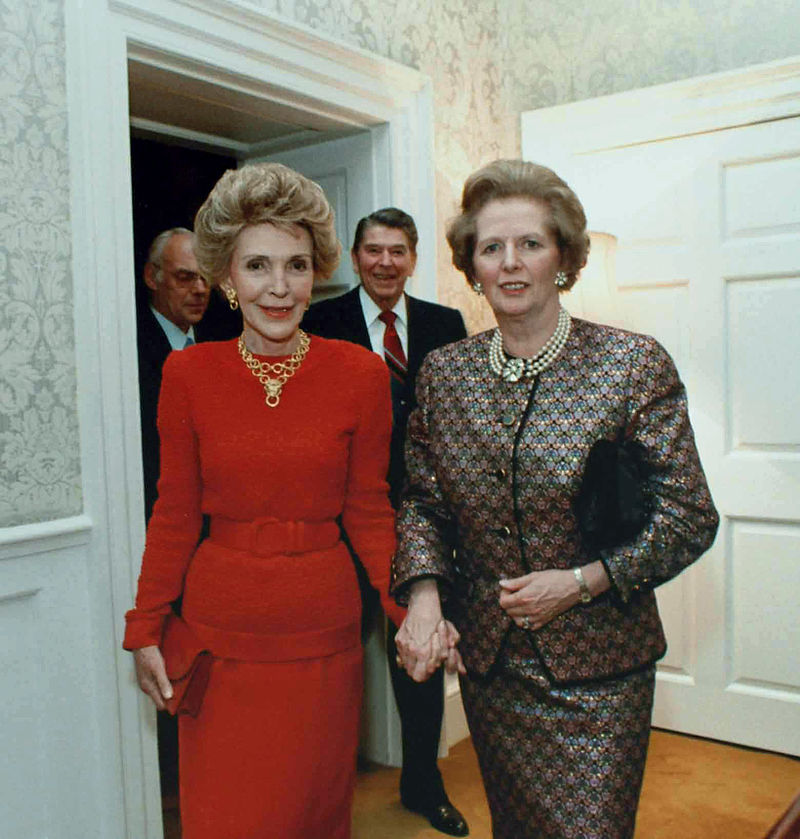800px-Margaret_Thatcher_Nancy_Reagan_with_husbands_behind