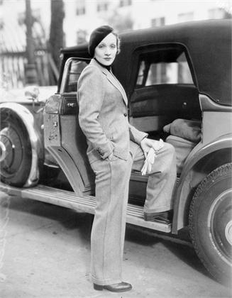 4 – Dietrich w dziennym garniturze, 1933 rok